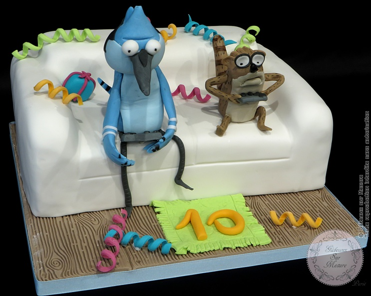Cake Design - Gâteau Regular Show avec Mordecai et  Rigby - Gâteaux sur Mesure Paris - 3D, cake decorating, cake design, cake designer, canapé, ecole cake design, formation professionnelle, France, gateau 3D, gateau design, gateau rigolo, gateaux spectaculaires, Paris, regular show