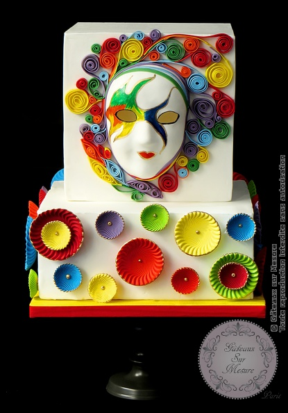 Cake Design - Masque Arc en Ciel - Gâteaux sur Mesure Paris - atelier, atelier pâte à sucre, cakesdecor daily top 3, carnaval, ecole cake design, formation, formation cake design, formation professionnelle, France, gateau design, gateau original, gateau pate a sucre, Paris, pate a sucre, rainbow, wedding cake