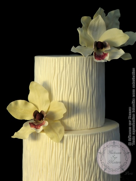Cake Design - Gold Wedding Cake - Gâteaux sur Mesure Paris - cake, cake design, cake design Paris, cake designer, cakesdecor daily top 3, chic, ecole cake design, formation cake design, formation professionnelle, France, gold, gold leaf, luxe, or, orchid, orchidee, Paris, wedding, wedding cake